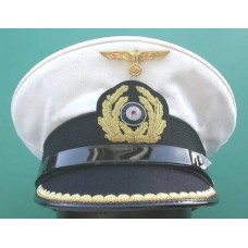 Kriegsmarine Kapitänleutnant Peaked Cap. (Removable white top)